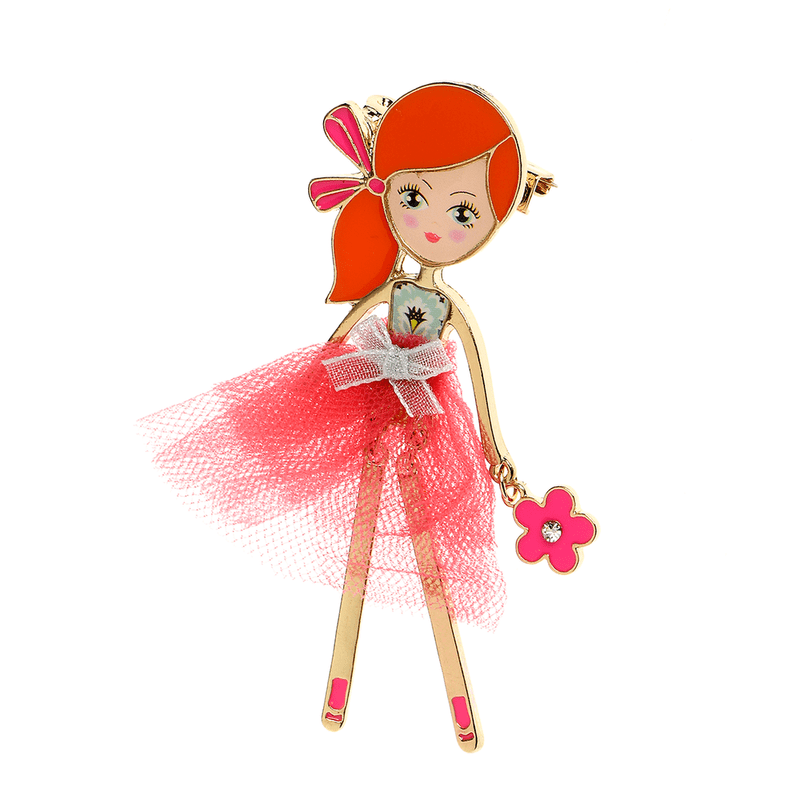 Brosa-fata-in-roz