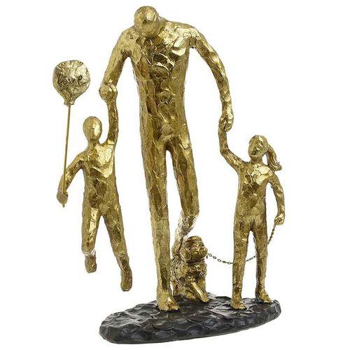 Statuie familie la plimbare