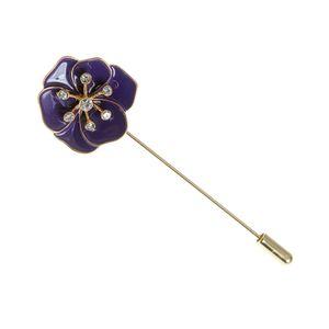 Brosa dama floare atractiva