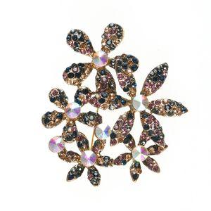 Brosa martisor design floral