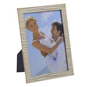 Rama foto cu cadru metalic in dungi format 10x15
