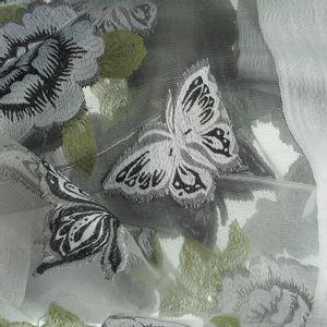 Esarfa cu flori gri