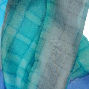 Esarfa albastra din matase cu imprimeu abstract