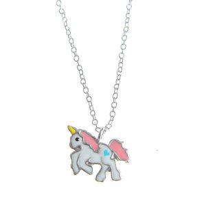 Colier din argint cu unicorn