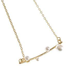 Colier auriu cu pandantiv din perle