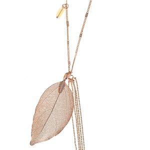 Colier auriu cu pandantiv frunza